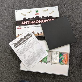 ANTI MONOPOLY Real Estate Board Game 2005 Edition Internal